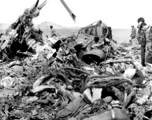 American-Wreckage-at-Desert